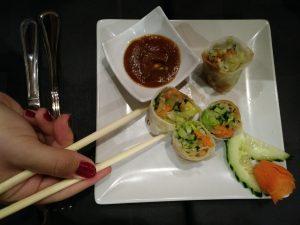 rollitos Restaurante Lotus comida Vietnamita Zaragoza