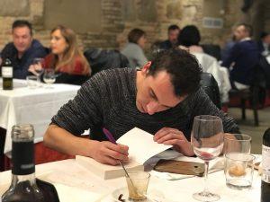 firmando libros en restaurante la Lobera de Martin