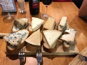 variedad tapa quesos bar estudios